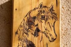 Cuadro caballo pirograbado